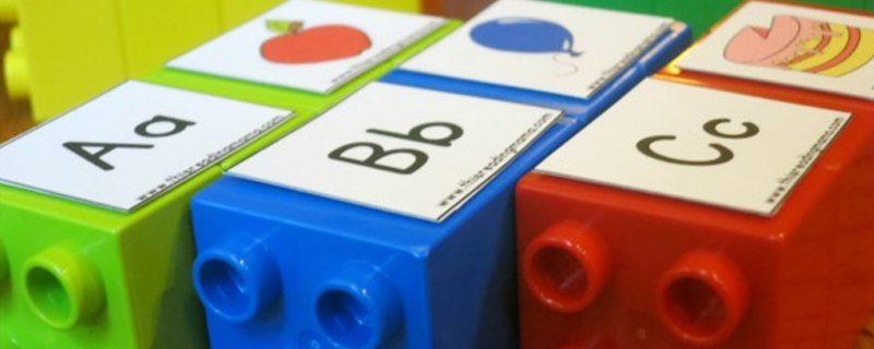 3 uses for LEGO Bricks to build your child's literacy skills
